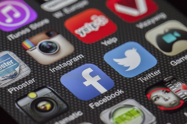 SOCIAL MEDIA – A DISTRACTION OR A NETWORKING AND COMMUNICATION TOOL?